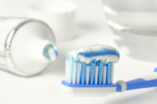 Bolavé zuby se musí ošetřit co nejdříve