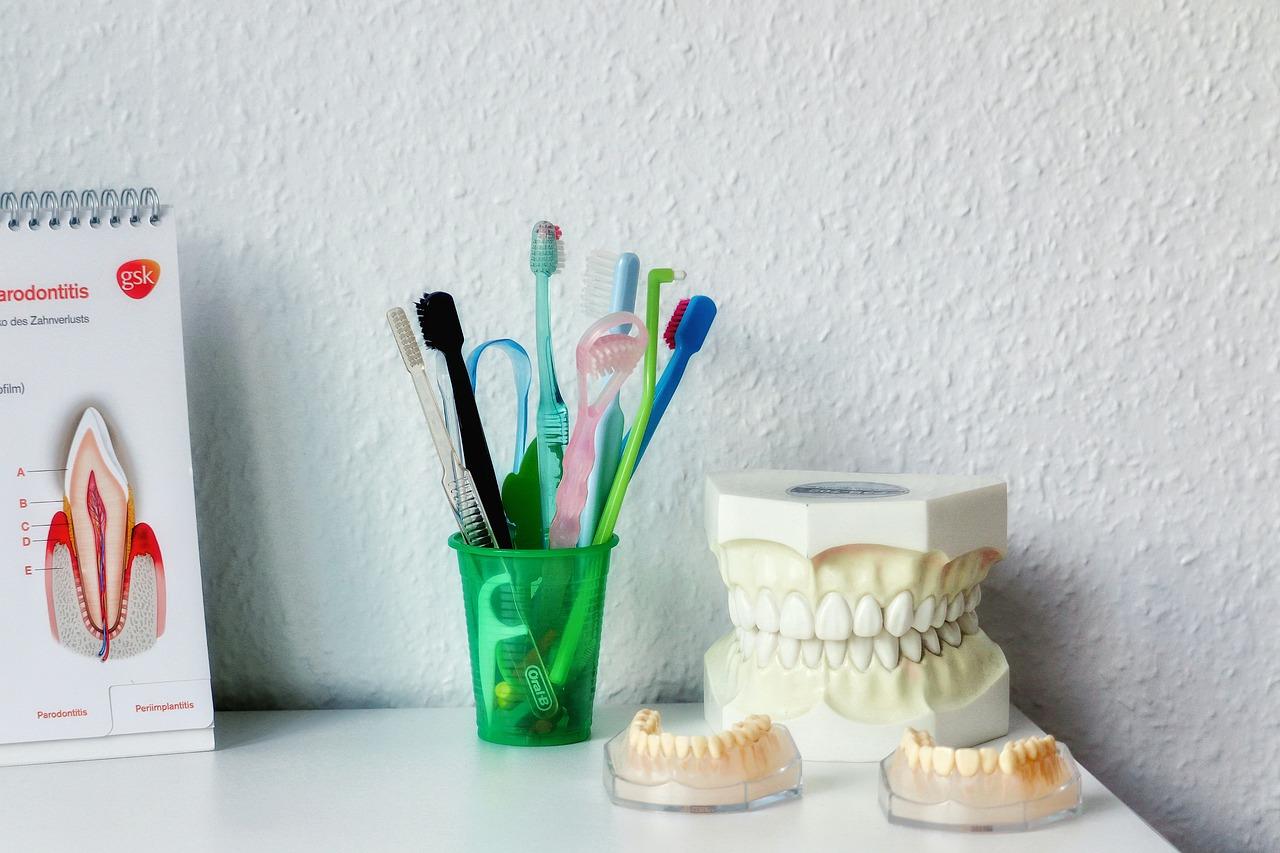 Proč nepodceňovat prohlídky u zubaře a jak se jich přestat bát?