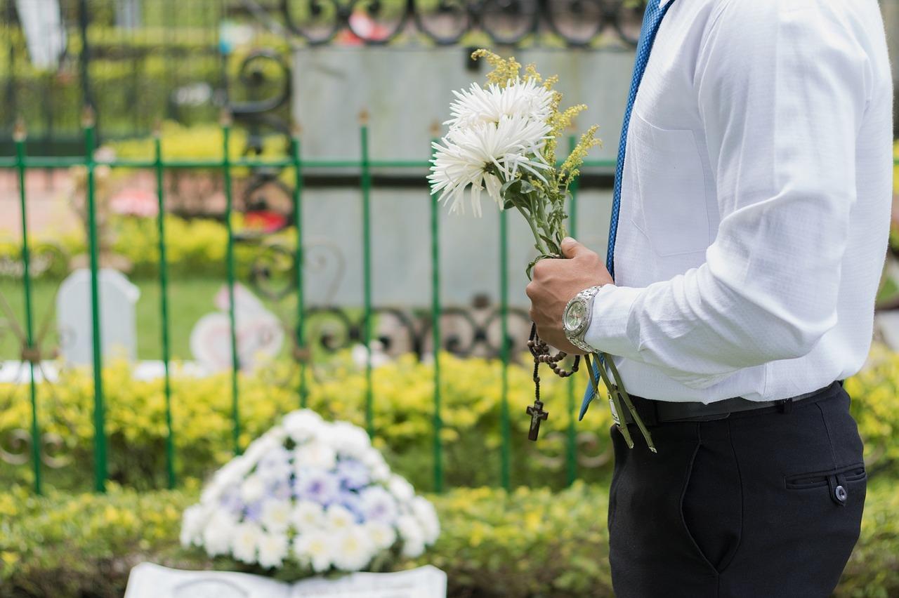 Co vše je třeba zařídit po smrti blízkého?
